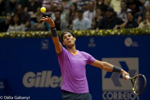 Nadal serve Brasil Open